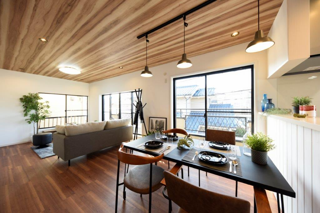 趣味と暮らす、横浜のガレージハウス|YOKOHAMA TOBE