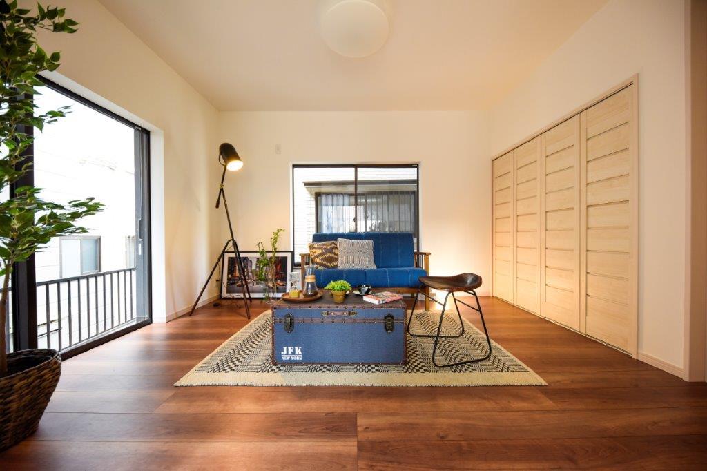 暮らしやすい街の爽やかで明るいLDKの家|YOKOHAMA TOTSUKA(KAMIKURATA-CHŌ)